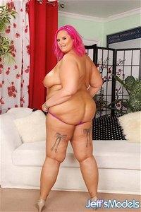 Full figured BBW sex star Sara Star gets her pussy eaten at jeffsmodels.com