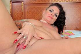 Plump sexy Erika Xstacy does a hardcore anal scene for plumperpass.com