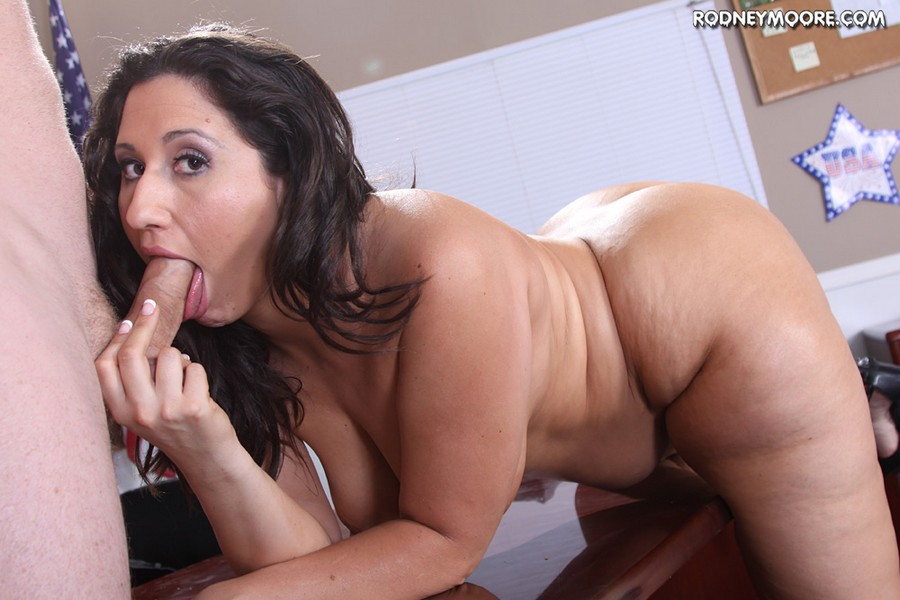 Bbw eliza allure plays with a cock before getting fucked - 4 7